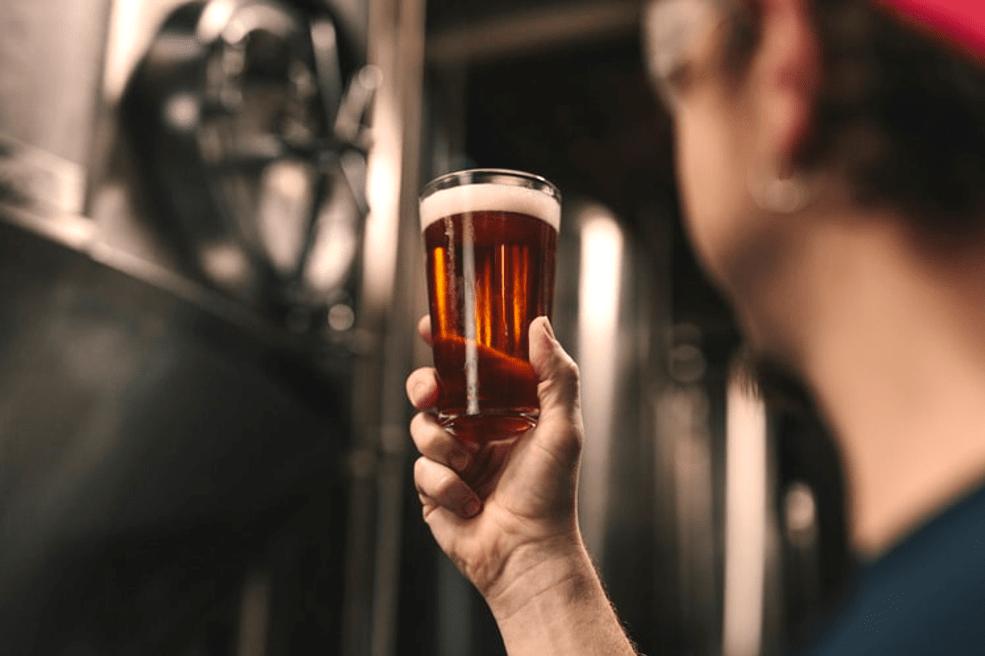 بررسی خواص عصاره رازک در نوشیدنی مالت
