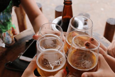 مقایسه نوشیدنی های الکلی با نوشیدنی مالت بدون الکل برای سلامتی بدن